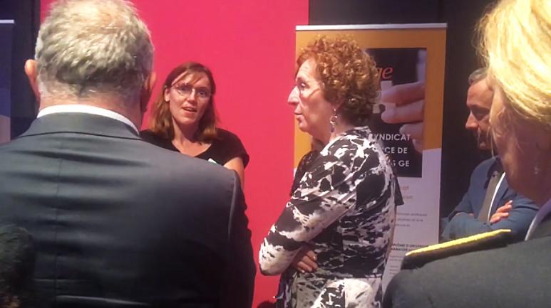 La ministre du Travail, Muriel Pénicaud, sur le stand de la FNGE et des GEIQ